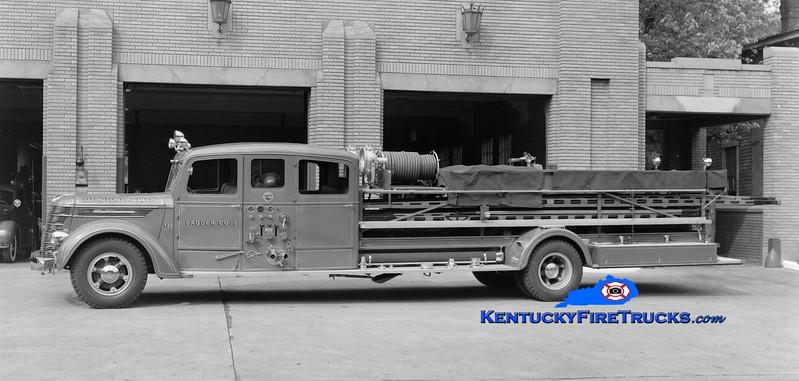 <center> RETIRED <br> Lexington  Hook & Ladder 2 <br> 1939 International/National 750/100 <br> Greg Stapleton collection </center>