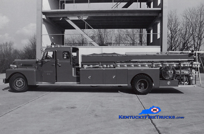 <center> RETIRED <br> Lexington  Hook & Ladder 2 <br> 1961 Pirsch/1975 LFD City Service Truck <br> Greg Stapleton collection </center>