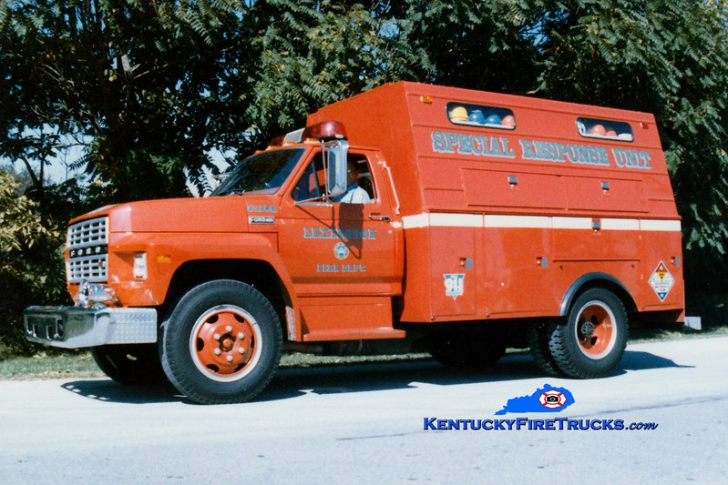 <center> RETIRED <br> Lexington  Hazmat 2 <br> x-Hazmat 1 <br> 1983 Ford F/1988 Stahl/LFD <br> Greg Stapleton photo </center>