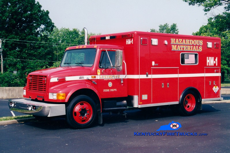 <center> RETIRED <br> Lexington  Hazmat 1 <br> 1999 International 4700LP/Horton <br> Greg Stapleton photo </center>