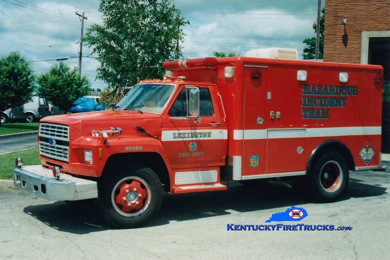 <center> RETIRED <br> Lexington  Hazmat 1 <br> 1985 Ford F/Horton <br> Greg Stapleton photo </center>