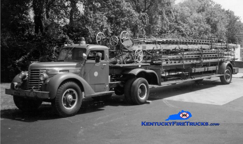 <center> RETIRED <br> Lexington  Hook & Ladder 1 <br> 1947 Diamond T/1929 American LaFrance 75'  <br> Greg Stapleton photo </center>