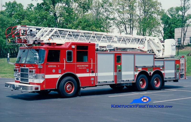 <center> Lexington  Ladder 1 <br> 2003 Pierce Dash 105' <br> Greg Stapleton photo </center>