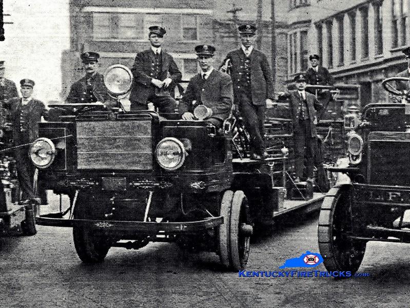 <center> RETIRED <br> Lexington  Hook & Ladder 1 <br> 1913 American LaFrance Type 16 75'  <br> Greg Stapleton collection </center>