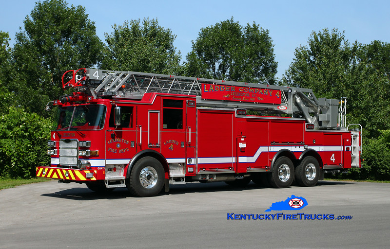 REASSIGNED <br /> Lexington  Ladder 4<br /> 2015 Pierce Arrow XT 105'<br /> Kent Parrish photo