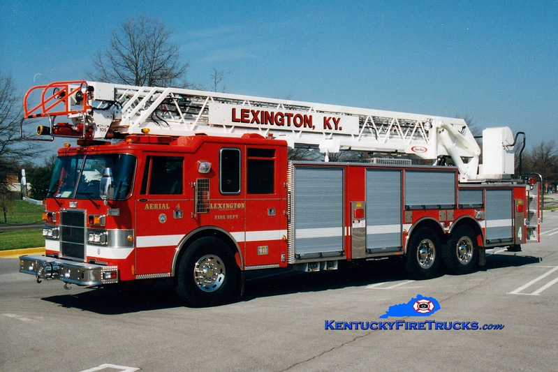 <center> Lexington  Aerial 4 <br> 1997 Pierce Dash 105'  <br> Greg Stapleton photo </center>