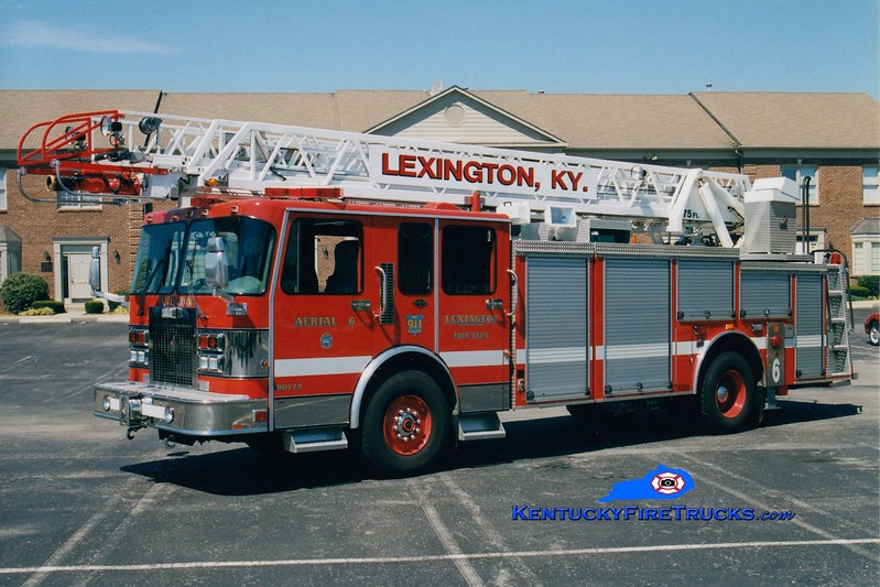 <center> RETIRED <br> Lexington  Aerial 6 <br> 1995 Spartan Gladiator/Smeal 75'  <br> Greg Stapleton photo </center>