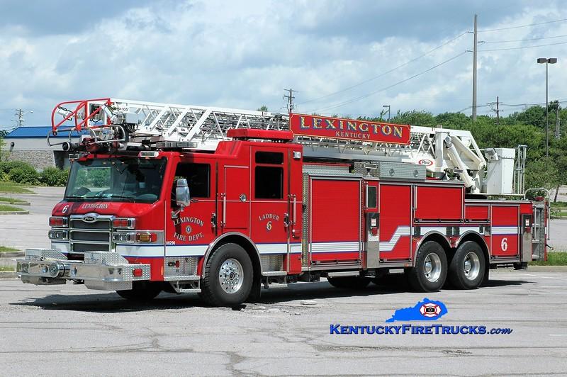 Lexington  Ladder 6<br /> 2009 Pierce Velocity 1500/200/105'<br /> Greg Stapleton photo
