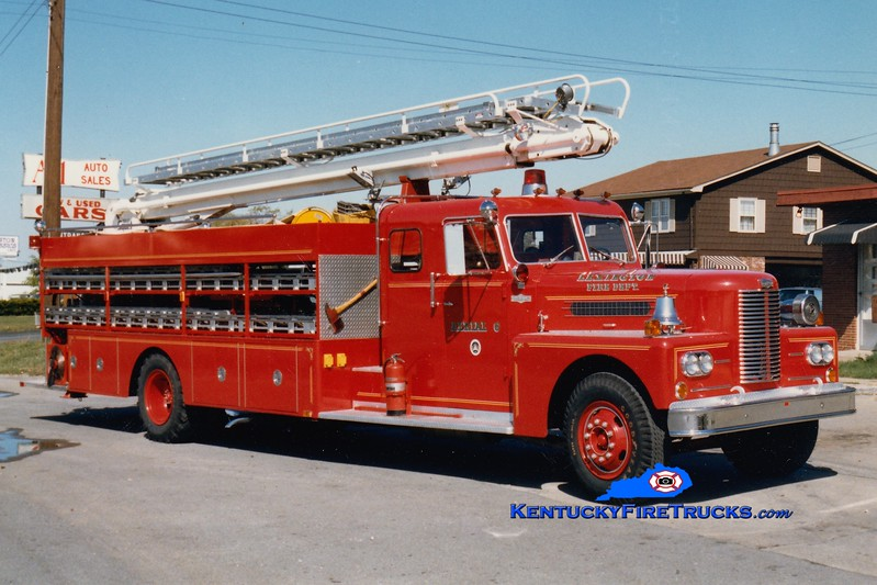 <center> RETIRED <br> Lexington  Aerial 6 <br> 1968 Pirsch/1982 LFD 50' TeleSqurt  <br> Greg Stapleton photo </center>