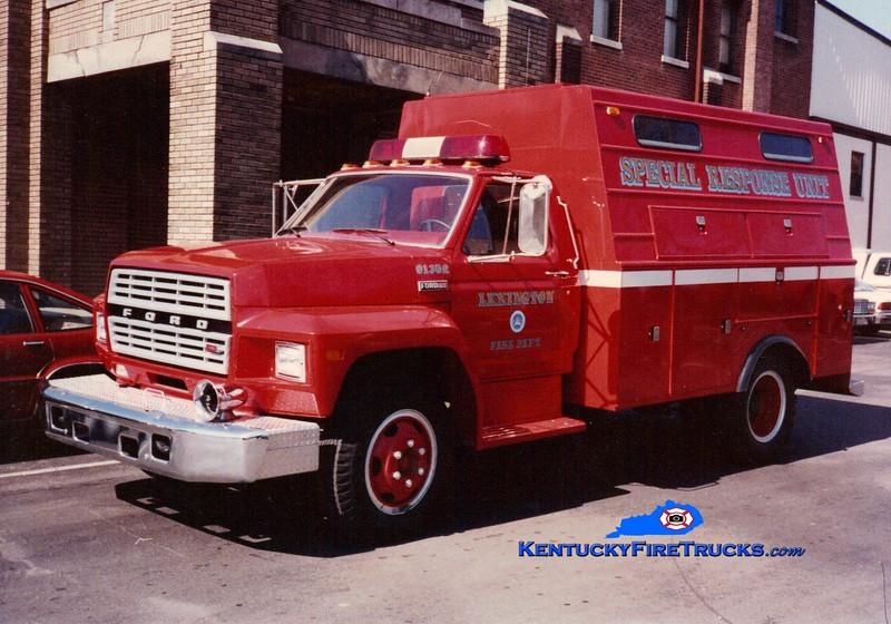 <center> RETIRED <br> Lexington  Rescue 2 <br> 1983 Ford/1988 Stahl <br> Greg Stapleton photo </center>
