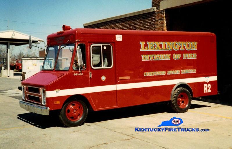 <center> RETIRED <br> Lexington  Rescue 2 <br> 1975 Chevy/1990 LFD <br> Greg Stapleton photo </center>