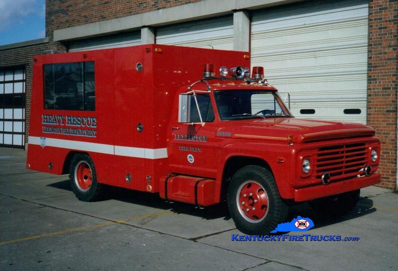 <center> RETIRED <br> Lexington  Rescue 2 <br> 1968 Ford/1995 LFD  <br> Greg Stapleton photo </center>