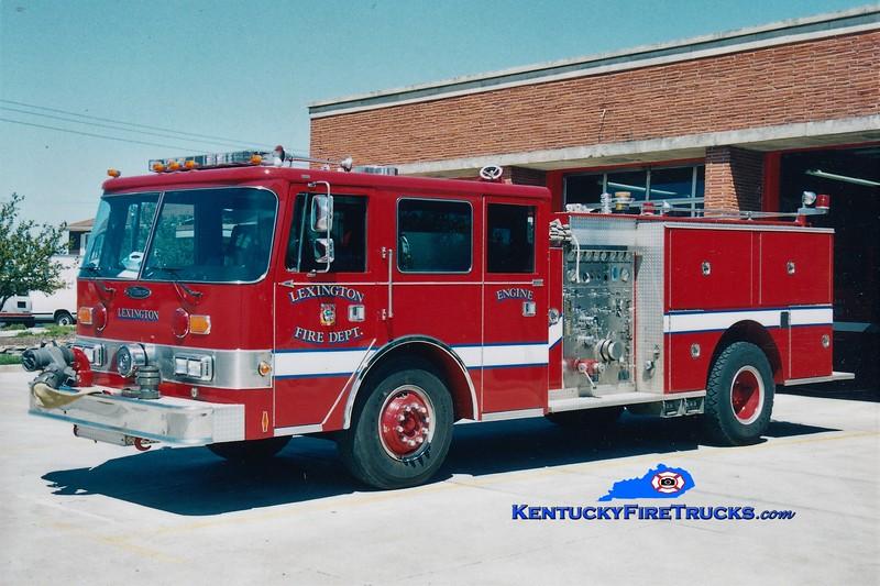 RETIRED<br /> Lexington Reserve Engine 37<br /> x-Engine 4 <br /> 1986 Pierce Arrow 1250/500<br /> Greg Stapleton photo