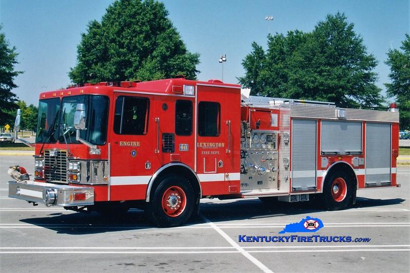 Lexington Reserve Engine 32<br /> x-Engine 11 <br /> 1999 HME/Smeal 1250/1000<br /> Greg Stapleton photo