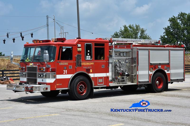 Lexington Reserve Engine 31<br /> x-Engine 16 <br /> 1998 Pierce Dash 1250/750<br /> Greg Stapleton photo