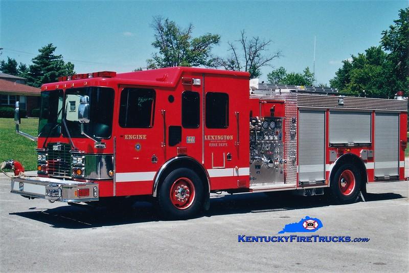 Lexington Reserve Engine 35<br /> x-Engine 14<br /> 2000 HME/Smeal 1250/1000<br /> Greg Stapleton photo