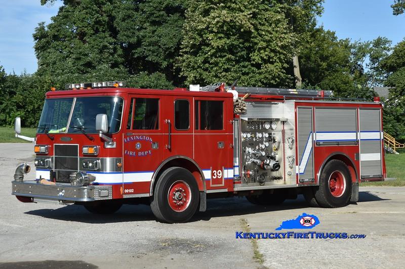 Lexington Training Engine 39<br /> x-Engine 6<br /> 1994 Pierce Saber 1250/500<br /> Greg Stapleton photo