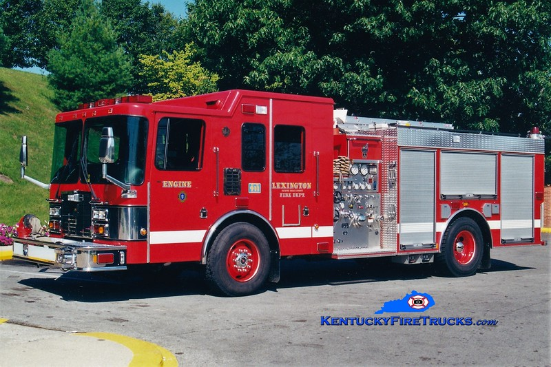 Lexington Reserve Engine 37<br /> x-Engine 9<br /> 2000 HME/Smeal 1250/750<br /> Greg Stapleton photo