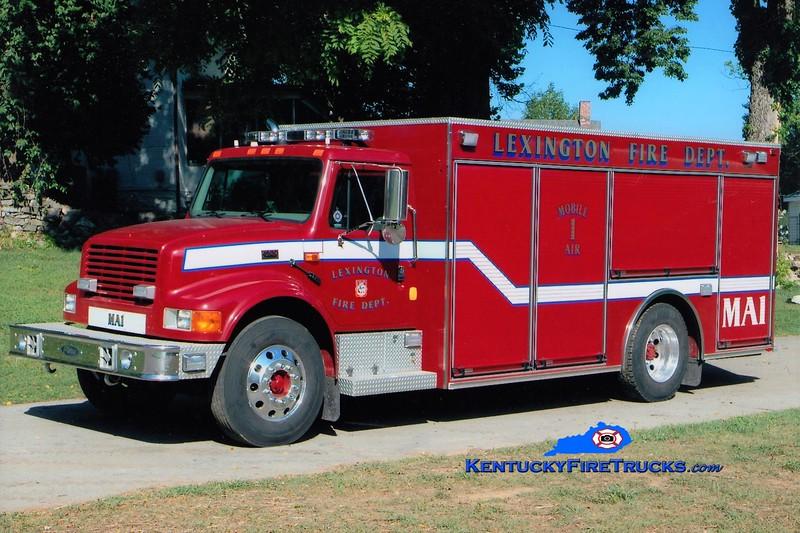 Lexington Mobile Air 1<br /> x-Rescue 1 <br /> 2000 International 4700/Pierce <br /> Greg Stapleton photo