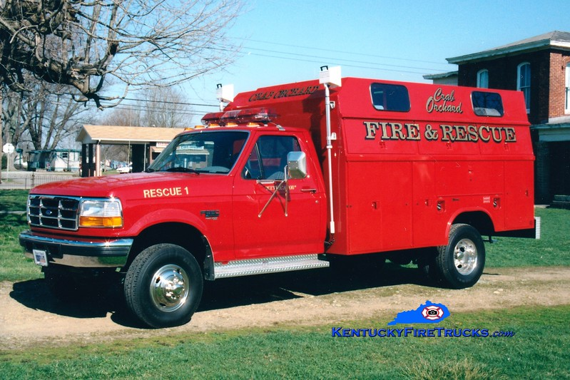 <center> Crab Orchard  Rescue 1 <br> 1996 Ford F-350 4x4/Reading  <br> Greg Stapleton photo </center>