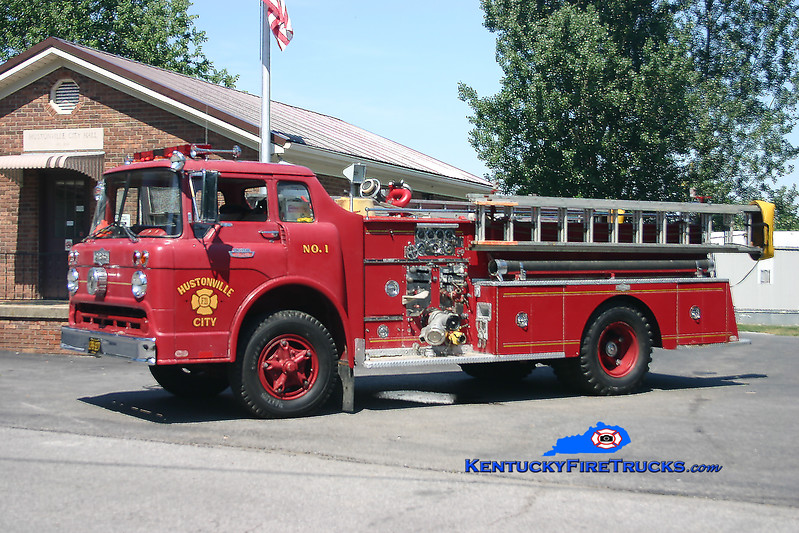 <center> RETIRED <br> Hustonville  Engine 1  <br> x-Lancaster, KY  <br> 1966 Ford C-800/Pirsch 750/500<br> Kent Parrish photo <br> </center>