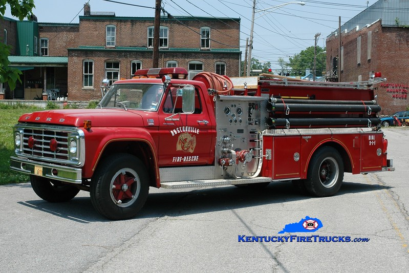 <center> RETIRED <br> Hustonville  Engine 1  <br> x-Southeast Bullitt, KY <br> 1979 Ford F-700/Grumman 750/750 <br> Greg Stapleton photo <br> </center>
