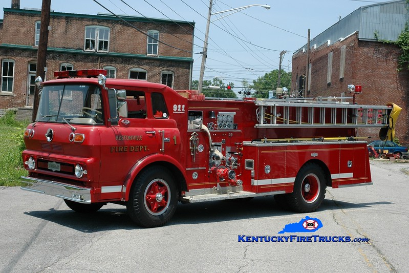 <center> RETIRED <br> Hustonville  Engine 2  <br> x-Carrollton, KY  <br> 1966 GMC 5500/Pirsch 750/500 <br> Greg Stapleton photo <br> </center>