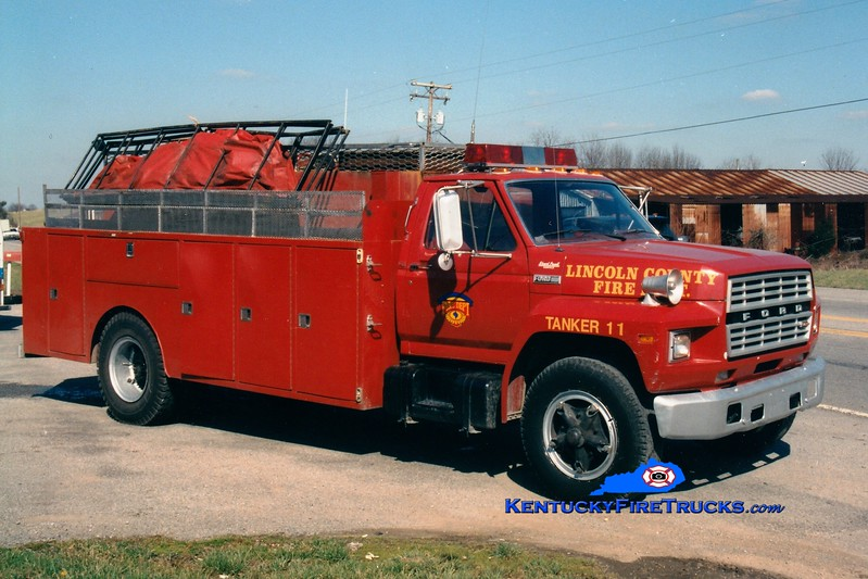 <center> RETIRED <br> Lincoln County Tanker 11  <br> 1982 Ford F/Local 400/1500 <br> Greg Stapleton photo <br> </center>