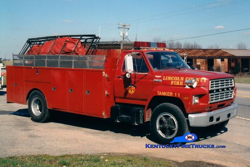 <center> RETIRED <br> Lincoln County Tanker 11  <br> 1982 Ford F/Local 400/1500 <br> Greg Stapleton photo <br> </center>