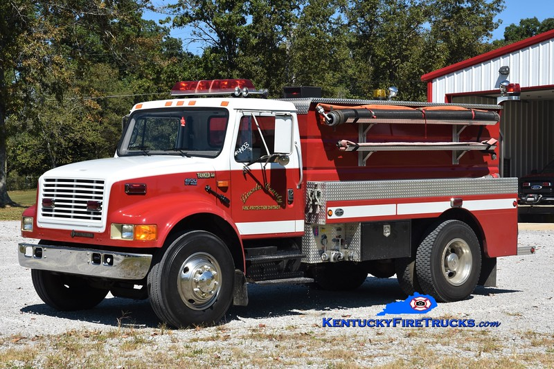 Lincoln County  Tanker 4<br /> 1995 International 4900/Wynn 300/1500<br /> Greg Stapleton photo
