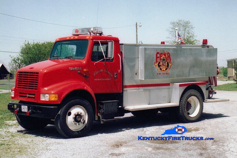 <center> Lincoln County Tanker 6  <br> 1996 International/Local 250/1600 <br> Greg Stapleton photo </center>