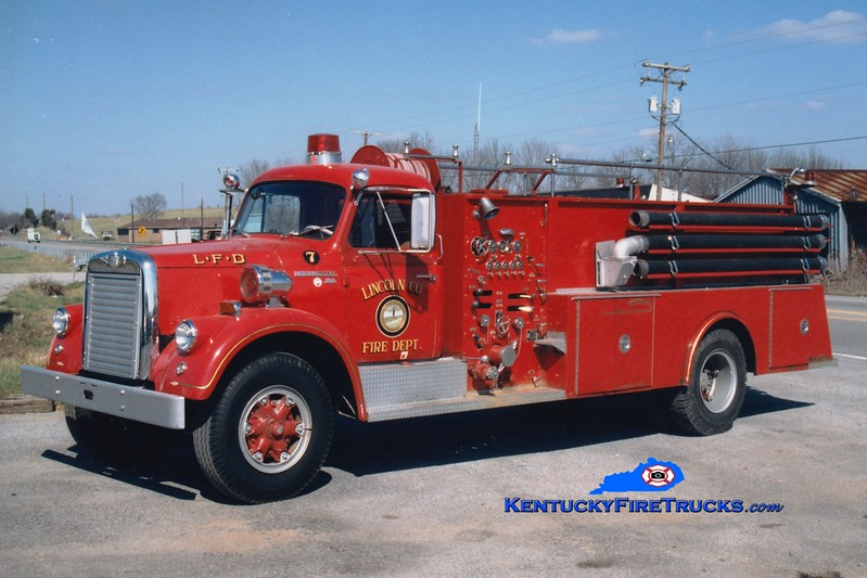<center> RETIRED <br> Lincoln County Engine 7  <br> x-Sheffield, MA <br> 1965 International V/Maxim 750/750 <br> Greg Stapleton photo <br> </center>