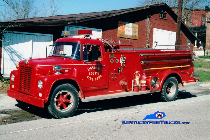 <center> RETIRED <br> Lincoln County Engine 3  <br> x-Sheffield, MA <br> 1965 International Loadstar/Central 300/750 <br> Greg Stapleton photo <br> </center>