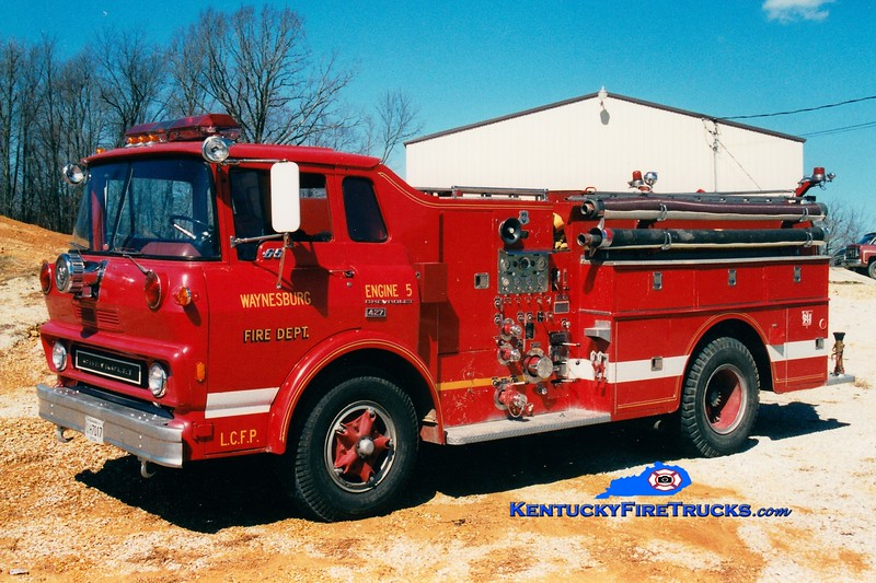 <center> RETIRED <br> Lincoln County Engine 5  <br> x-Stanford, KY <br> 1974 Chevy/Howe 750/500 <br> Greg Stapleton photo </center>