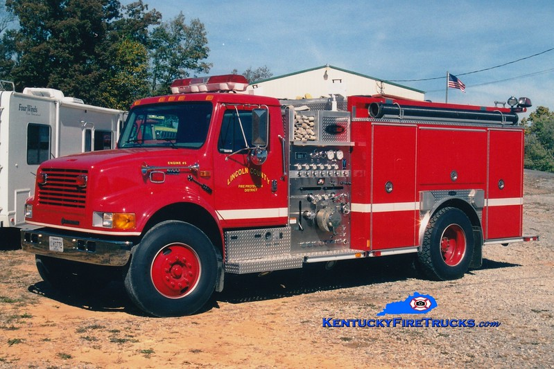 <center> RETIRED <br> Lincoln County Engine 5  <br> 2001 International 4900/E-One 1250/1000 <br> Greg Stapleton photo </center>