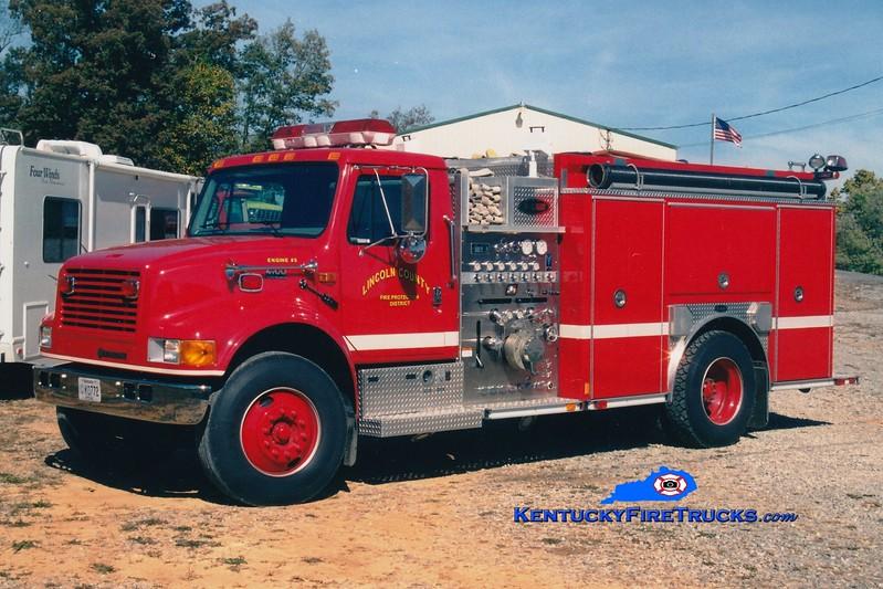 <center> RETIRED <br> Lincoln County Engine 5  <br> 2001 International 4900/E-One 1250/1000 <br> Greg Stapleton photo </center>