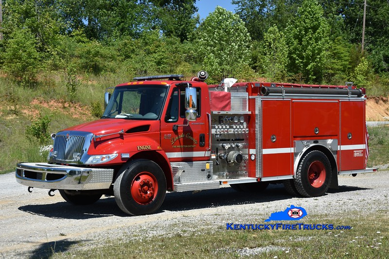 Lincoln County Engine 5<br /> x-Engine 2 <br /> 2002 International 4400/E-One 1250/1000<br /> Greg Stapleton photo