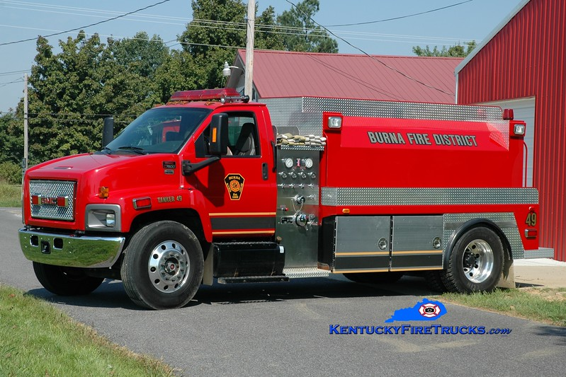 <center> Burna  Tanker 49 <br> 2007 GMC/Good Hope 500/2000 <br> Greg Stapleton photo </center>