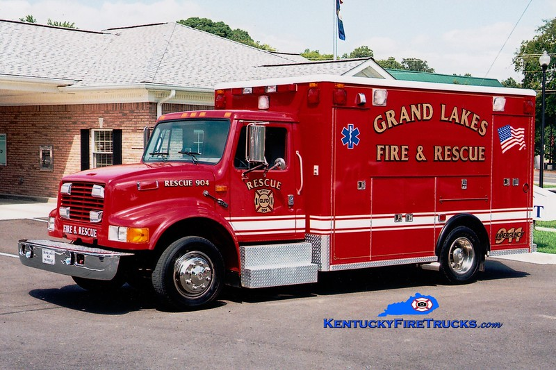 <center> Grand Lakes  Rescue 904 <br> 1996 International 4700LP/Wheeled Coach  <br> Greg Stapleton photo </center>