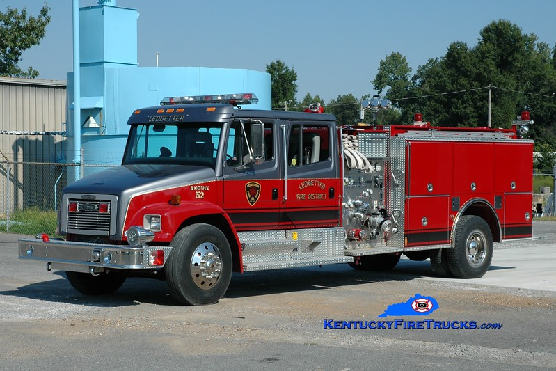 <center> Ledbetter  Engine 52 <br> 1996 Freightliner FL80/Pierce 1250/1000 <br> Greg Stapleton photo </center>