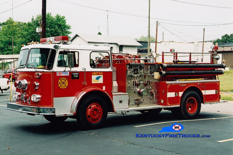 <center> RETIRED <br> Salem Engine 98 <br> x-West Sayville, NY <br> 1973 Seagrave PB 1500/500 <br> Greg Stapleton photo </center>