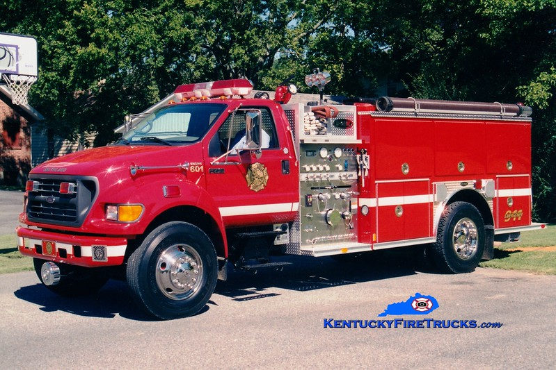 <center> Smithland  Engine 601 <br> 2002 Ford F-750/E-One 1250/1000 <br> Greg Stapleton photo </center>