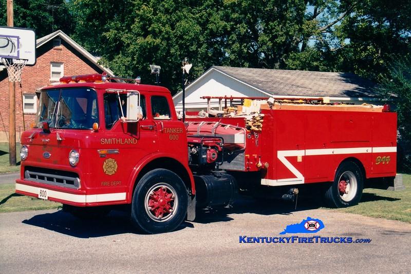 <center> RETIRED <br> Smithland  Tanker 600 <br> 1983 Ford C/Local 450/1500 <br> Greg Stapleton photo </center>