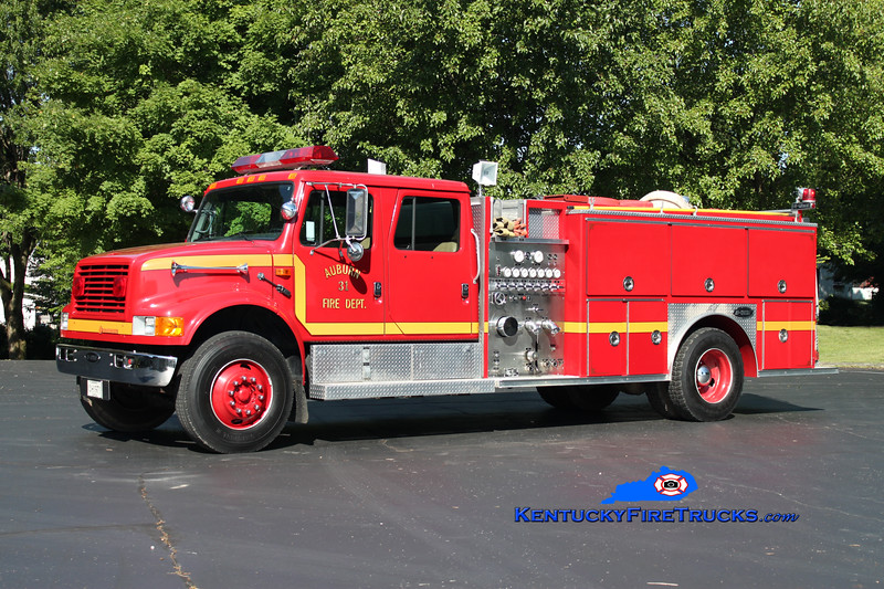 <center> Auburn City  Engine 31 <br> 1992 International 4900/E-One 1250/1000 <br> Kent Parrish photo </center>
