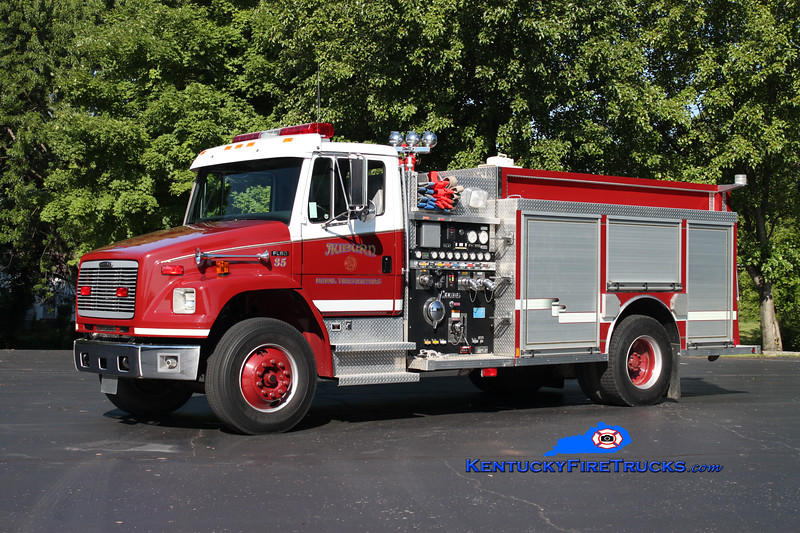 <center> Auburn Rural Engine 35 <br> 2000 Freightliner FL80/Central States 1250/1000 <br> Kent Parrish photo </center>