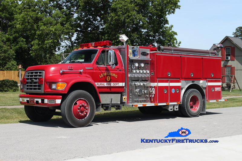 <center> Lewisburg Rural 41  <br> 1994 Ford F-750/E-One 1250/1000 <br> Kent Parrish photo <br> </center>