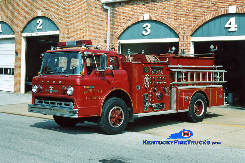 <center> Russellville  Engine 6 <br> 1980 Ford C/American LaFrance 1000/750 <br> Kent Parrish photo </center>