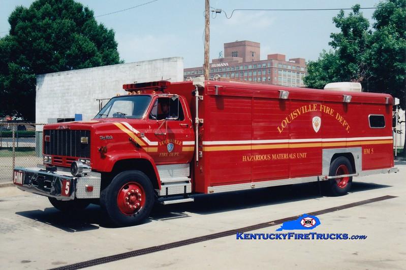 <center> RETIRED <br> Louisville  Hazmat 5 <br> x-Hazmat 15 <br> 1989 GMC TopKick/Betten <br> Greg Stapleton photo </center>