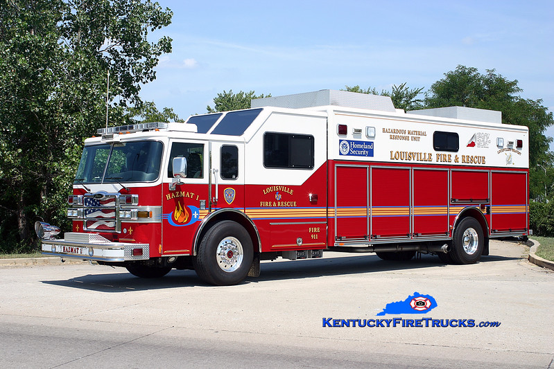 <center> Louisville  Hazmat 1 <br> 2006 Pierce Lance <br> Kent Parrish photo </center>