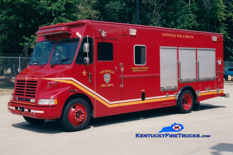 <center> Reassigned as Hazmat 19 <br> Louisville  Hazmat 1 <br> 1995 GMC/Utlimaster <br> Greg Stapleton photo </center>